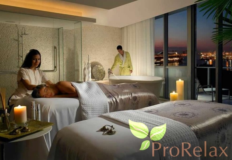 Стол для массажа с ящичком PR_071 в интерьере салона красоты